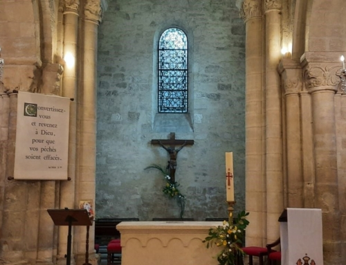 Décapage du sol et remise en éclat de l'église de Villennes